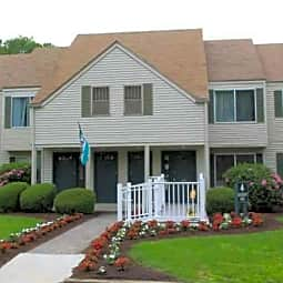 Meadow Ridge & Cambridge Estates - Norwich, Connecticut 6360