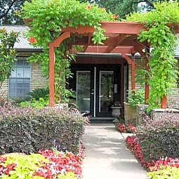 Villas At Monterey - Dallas, Texas 75248