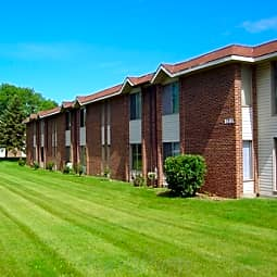 Highland Park Apartments - Kettering, Ohio 45429