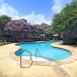 The Lodge At Shadowlake - Houston, Texas 77082