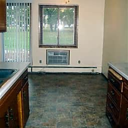 Highland Park Apartments - Fridley, Minnesota 55432