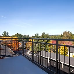 Woodland Commons - Bellevue, Washington 98005