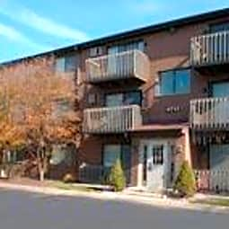 Yender Apartments - Lisle, Illinois 60532
