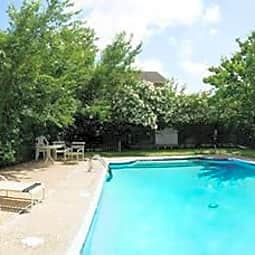 Eastgate Apartments - College Station, Texas 77840