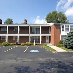 Oxford Court - Rocky River, Ohio 44116