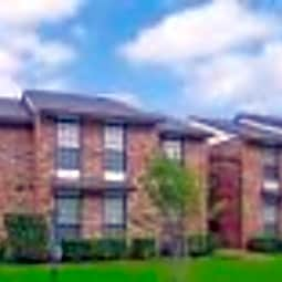 Oak Tree Condominiums - Carrollton, Texas 75006