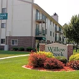 Willow Creek Apartments - Omaha, Nebraska 68138