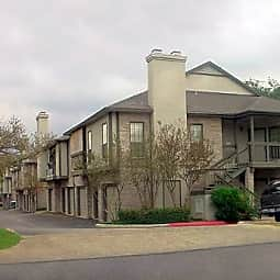 Sir Winston Villa Apartments - San Antonio, Texas 78216