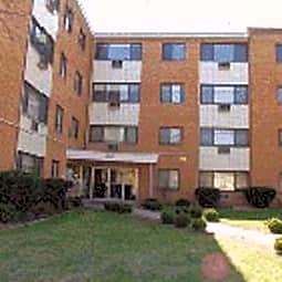Ridge Court Apartment Homes - Chicago, Illinois 60645