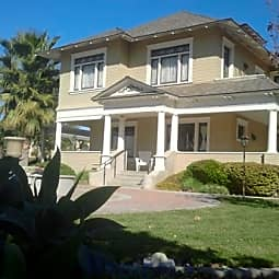 Mission Palms Apartments - Jurupa Valley, California 92509