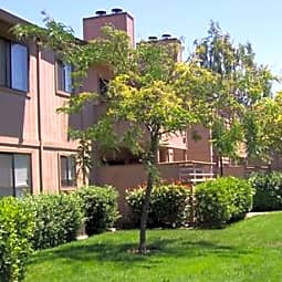 Bennington Apartments - Fairfield, California 94533
