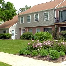Charleston Park Apartments - Saint Charles, Illinois 60174