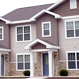 Fair Acre Townhomes - Oshkosh, Wisconsin 54901