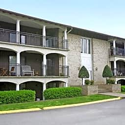 Villa Adrian Apartments - Nashville, Tennessee 37204