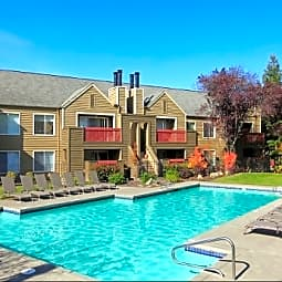 Hunters Run Apartments - Beaverton, Oregon 97006