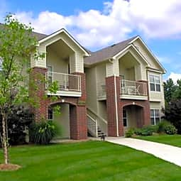 Wildoak Apartment Homes - Kansas City, Missouri 64158