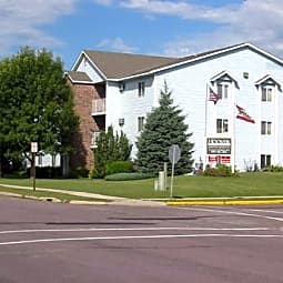 Hoover Estates Apartments - North Mankato, Minnesota 56003