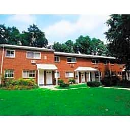 Hillcrest Apartments - Trenton, New Jersey 8620
