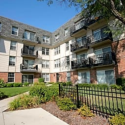 Fort Sheridan Place Luxury Rentals - Highwood, Illinois 60040