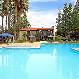 Parcwood Apartment Homes - Corona, California 92882
