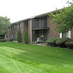 Lakewood Apartments - Twin Lakes, Wisconsin 53181