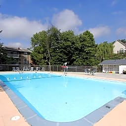 Lee Square Apartments - Falls Church, Virginia 22046