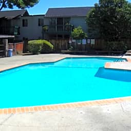 Reed Square Apartments - Sunnyvale, California 94086