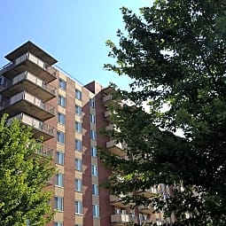 Governor's Manor Apartments - Springfield, Ohio 45505