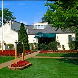 Briarwood Apartments - Waterford, Michigan 48327