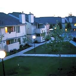 Heritage Oaks Apartments - Carmichael, California 95608