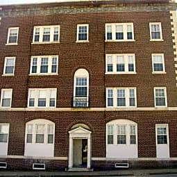 The Chestnut Street Apartments - Worcester, Massachusetts 1609