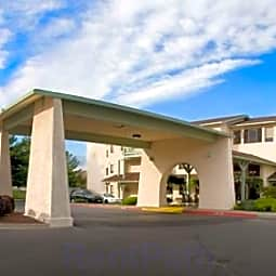 Orchard Park Independent Retirement Living - Yakima, Washington 98902