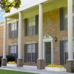Wesleyan Gardens Apartment Homes - Macon, Georgia 31204