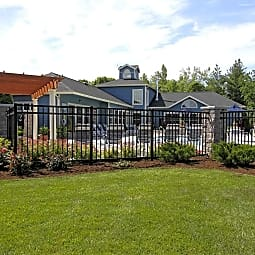 Country Club Manor Apartments - Williamsville, New York 14221