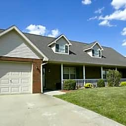 Waterford Townhomes - Bowling Green, Kentucky 42101
