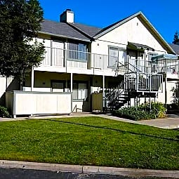Willow Glen Apartments - Sacramento, California 95823