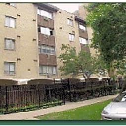The Colony Apartment Homes - Chicago, Illinois 60660