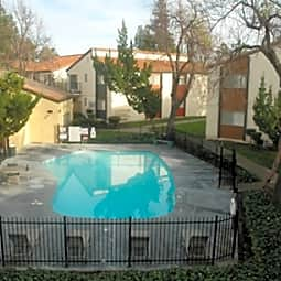 Creekside Gardens Apartments - Vacaville, California 95687