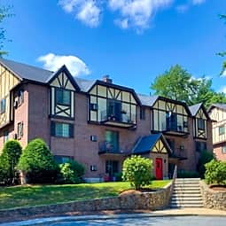 Royal Crest Estates Apartments - Nashua, New Hampshire 3060