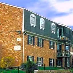 Wexford Manor Apartments - Falls Church, Virginia 22043