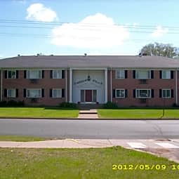 Carriage Hill Apartments - Menomonie, Wisconsin 54751