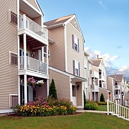 Bay Ridge at Nashua Apartments - Nashua, New Hampshire 3062
