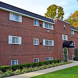 Norris Hills Apartments - Norristown, Pennsylvania 19401