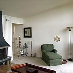 Chimney Hill Apartments - Middletown, Ohio 45042
