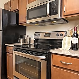 Deer Valley Luxury Apartments - Lake Bluff, Illinois 60044