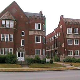 Kemper Court Apartments - Shaker Heights, Ohio 44120