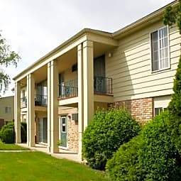 Amber Creek Village Apartments - Troy, Michigan 48084