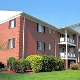 Minuteman Village Apartments - Lexington, Massachusetts 2421