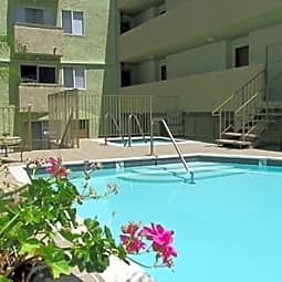 South Park Apartments - Sherman Oaks, California 91423