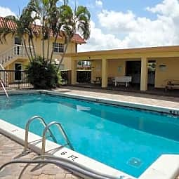 Camelot West - Wilton Manors, Florida 33311